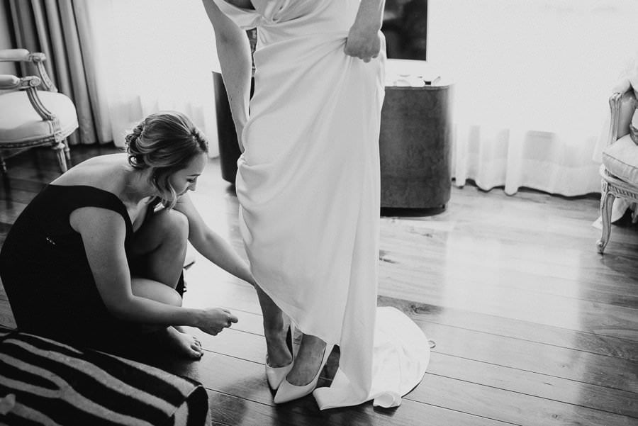 bride's getting ready in wedding venue the g hotel